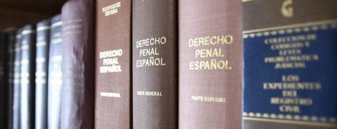 Penal Delitos Denuncias querellas Asistencia letrada Defensa Acusación particular
